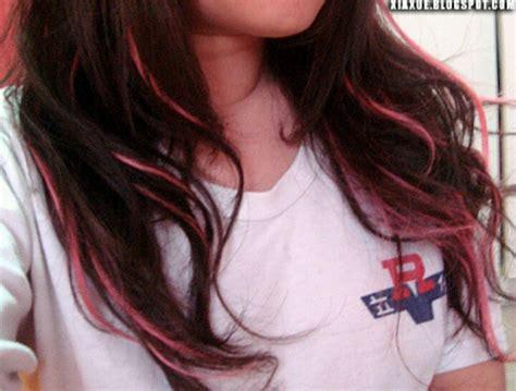 thin pink highlights hair ideas