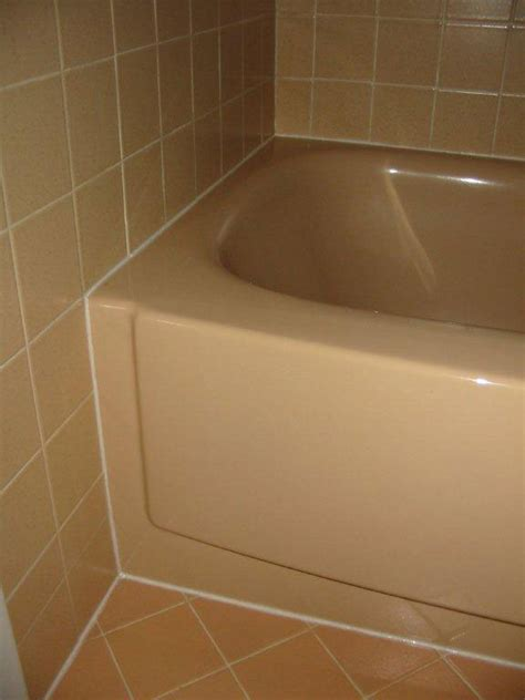 caulk bathtub how to caulk bathroom tile peenmedia com