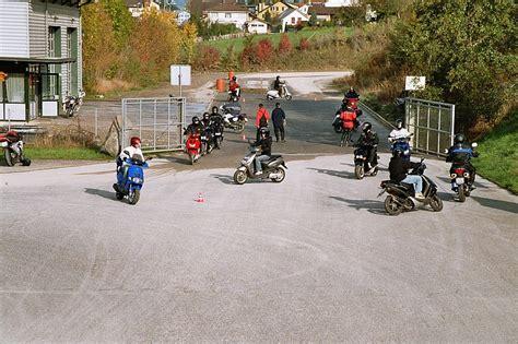 Motorrad Fahrschule Vergleich by Fahrschule Buchrain Fahrlehrer Fahrschulen In Buchrain