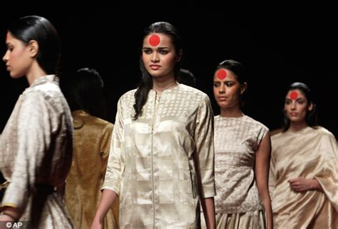 by lilliput models at friday march 15 2013 indian fashion week 2013