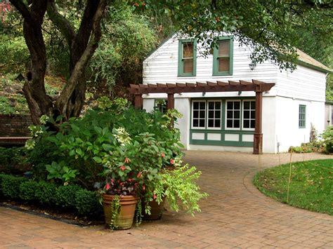 Leach Botanical Gardens Leach Botanical Garden