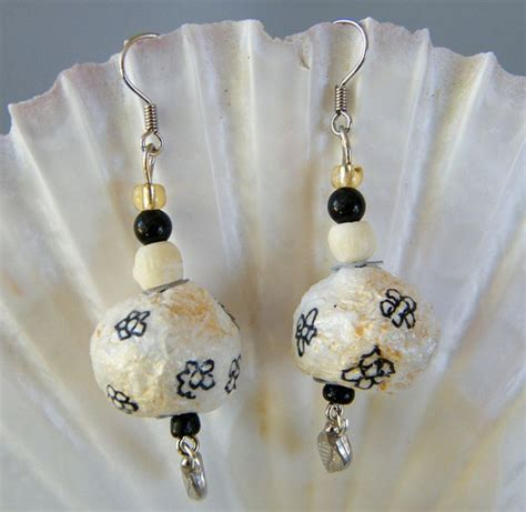 How To Make Paper Mache Earrings - 1000 images about paper mache earring on