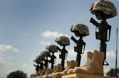 fallen five american athletes who died in service he might be receiving the purple today but a