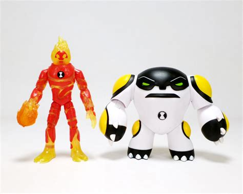 ben 10 toys review playmates toys ben 10 cannonbolt heatblast