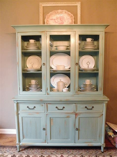 Display Dishes In China Cabinet by 1000 Ideas About China Cabinet Display On