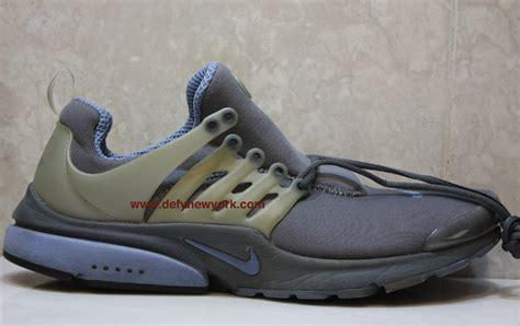 Nike Presto Original nike air presto 2000 original graphite screaming blue metallic zinc defy new york sneakers