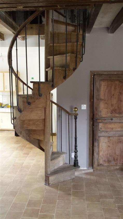 idee peinture escalier bois wordmark
