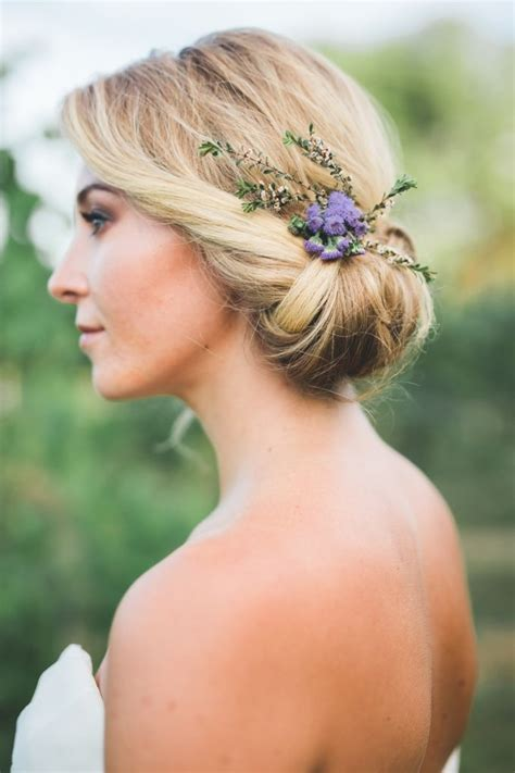 Garden Wedding Hairstyles For Bridesmaids by 25 Best Ideas About Bridal Hair Flowers On