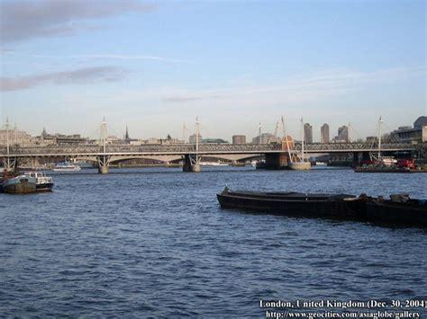 thames river cruise bonfire night london thames river cruise photo gallery