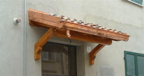 tettoia in legno per porta ingresso tettoia sopra porta profilati alluminio