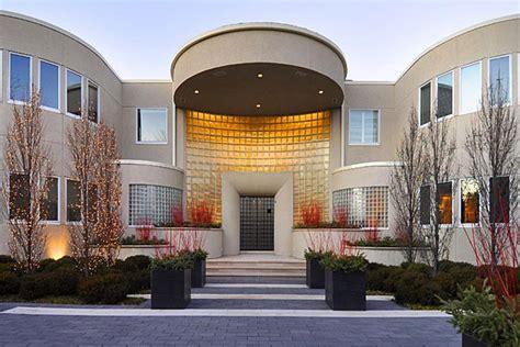 mj house michael jordan lists highland park mansion for 29 million