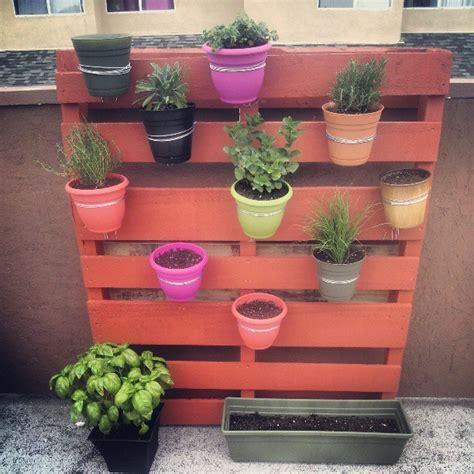 How To Make A Vertical Pallet Herb Garden Vertical Pallet Garden Espa 241 Ol