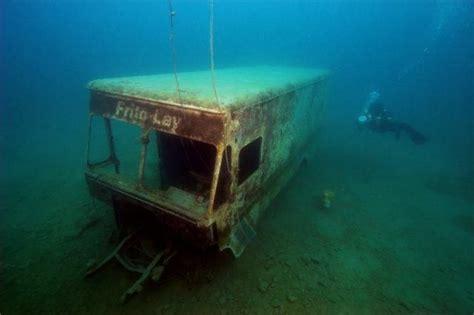 underwater stuff frito lay truck under water wow pinterest deep sea