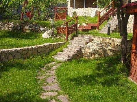 hill landscaping ideas 25 beautiful hill landscaping ideas and terracing inspirations