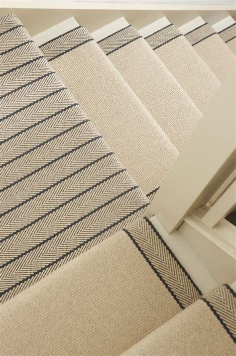 Stair Landing Rug by 25 Best Ideas About Stair Runners On Hallway