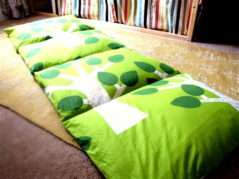 how to make a pillow bed how to make a pillow bed how to instructions