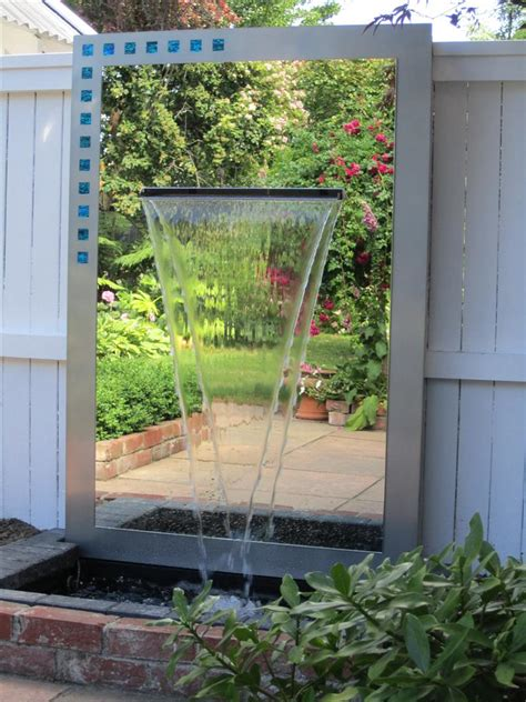 outdoor mirror water feature 1600 x 1100 freestyle mirrors