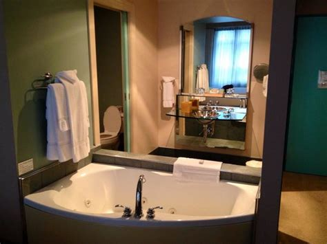 hotels with bathtub in bedroom whirlpool tub in bedroom picture of hotel metro