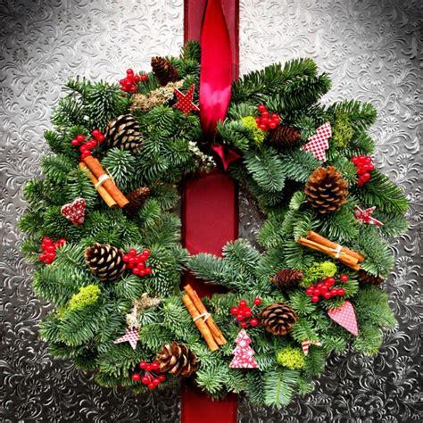 decoracion navide a con ramas 1001 ideas de coronas de navidad con instrucciones paso