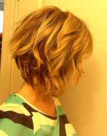how to stlye a stacked bob with wavy hair 25 short medium length haircuts short hairstyles 2016