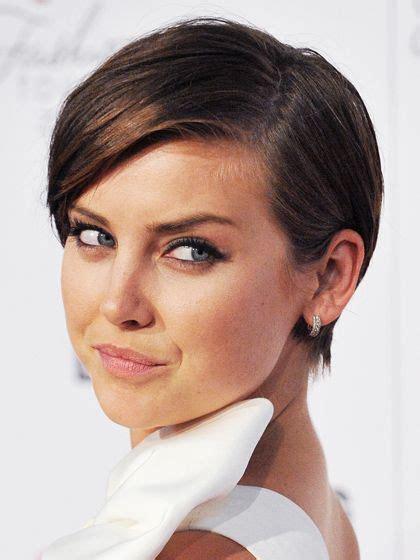 versityle hair cuts for heart shape faces the top 8 haircuts for heart shaped faces face hair