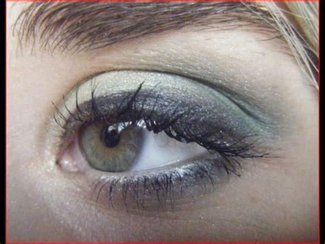 tutorial eyeliner occhi piccoli makeup tutorial su una bionda con gli occhi verdi e