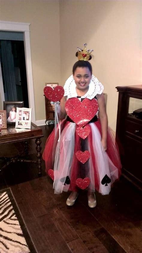 diy queen  hearts tulle dress  card collar crafty