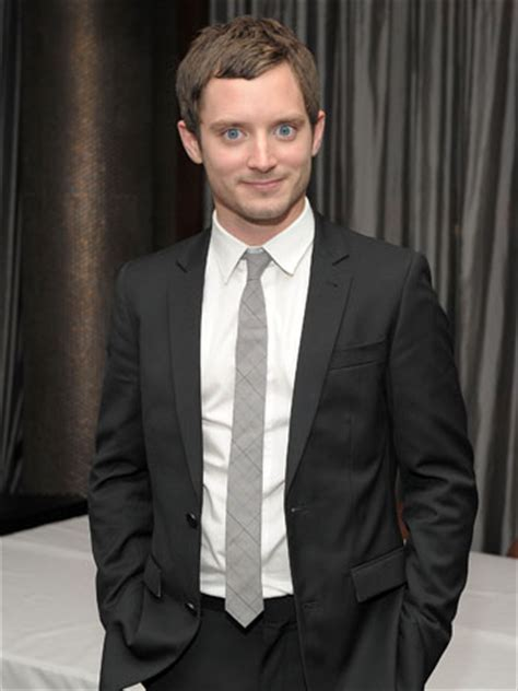 elijah wood romance movies elijah wood joins rashida jones andy samberg romantic
