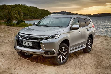 mitsubishi jeep 2016 2016 mitsubishi pajero sport gets seven seats loaded 4x4