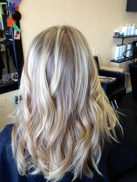 blonde highlights with ash base ash blonde highlights hair 2 pinterest