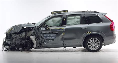 volvo xc90 safety ratings volvo xc90 awarded top safety rating by iihs