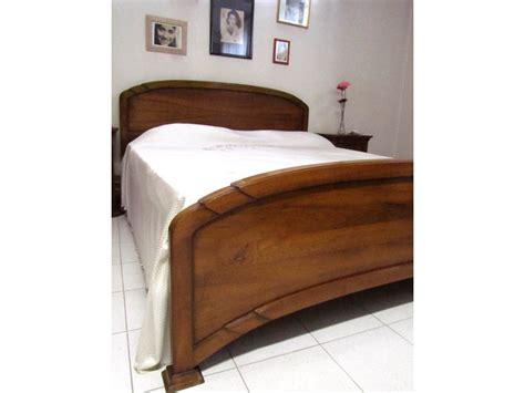 mobili in legno massello prezzi letto classico legno massello prezzi outlet