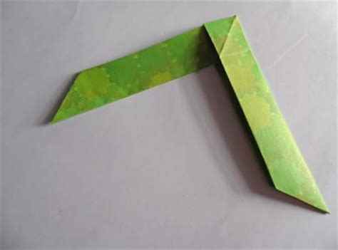 How To Make An Origami Boomerang - how to make a paper boomerang