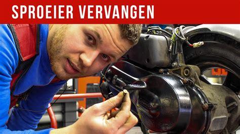 buitenboordmotor carburateur schoonmaken sproeier vervangen vol gas met joey youtube