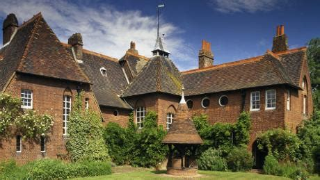 get the look william morris red house the chromologist william morris and red house