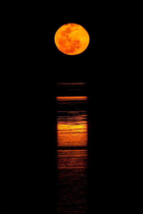 0007339658 listen to the moon bucket list broome darwin australia as her world turns
