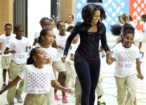 michelle obama initiatives president obama loves michelle obama s curves ny daily news