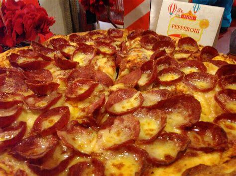 Loyang Pizza Diameter 18cm wisata kuliner berani mencoba pizza rasa durian di sini