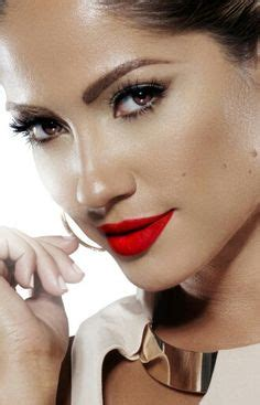 what red lipstick dows jennifer lopez wear red lipstick for olive skin on pinterest red lipsticks