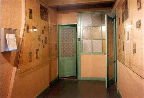 amsterdam hidden attic church clergy bedroom anne frank huis amsterdam anne s bedroom places i ve