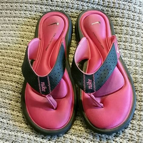 nike comfort footbed womens shoes 71 off nike shoes pink nike comfort footbed sandals