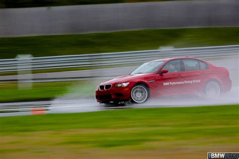 performance driving experience helps customers purchase
