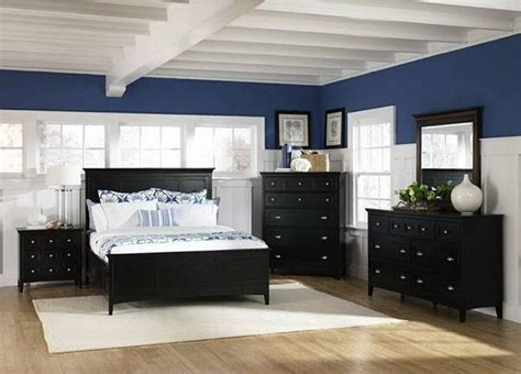 black bedroom furniture what color walls modern beach themed bedroom decor with navy blue and white