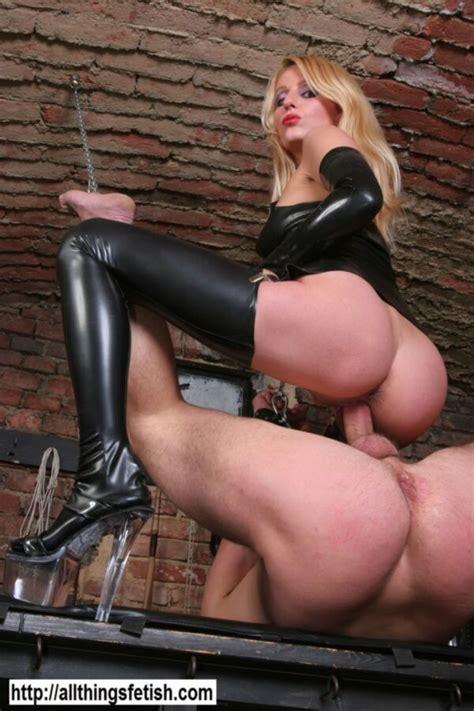 Kinky Femdom Mistress Tortures Guy Fetish Porn Pic Fetish Porn Pic