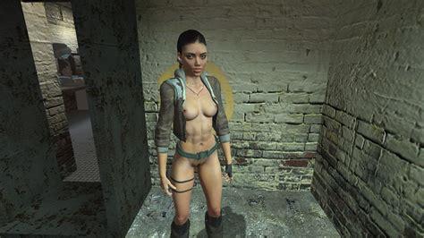 Half Life Nude