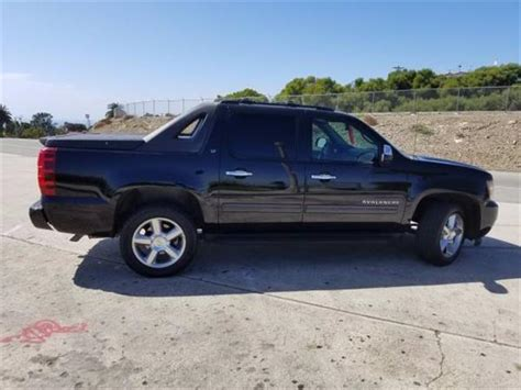 electric and cars manual 2003 chevrolet avalanche 2500 seat position control service manual electric power steering 2003 chevrolet avalanche 2500 security system service