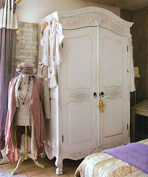 dipingere un armadio di legno 7 spunti per un armadio in stile shabby chic provenzale e