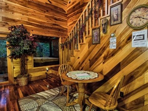 Cabins By The Caves by Cabins By The Caves Cottages And Cabins