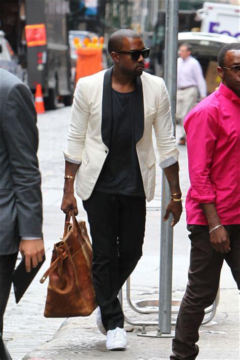 Gamis Huwaida White Shawl Part 1 P O W E R Kanye West In Band Of Outsiders Dinner
