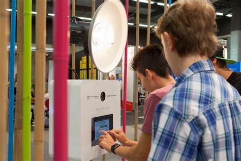 Yousty Bewerbungsfoto 3x Fotobox An Der Oba Berufsausstellung In St Gallen